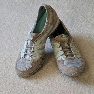 Sketchers Sneakers